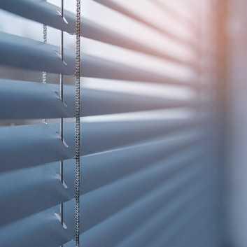 Store Vénitien Aluminium lames de 25mm